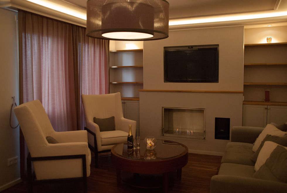 American Style Appartment: Moderne Wohnzimmer Von VanHenry Interiors U0026  Colours
