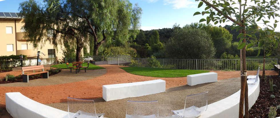 Pavimentos: Jardins campestres por OpenGreen
