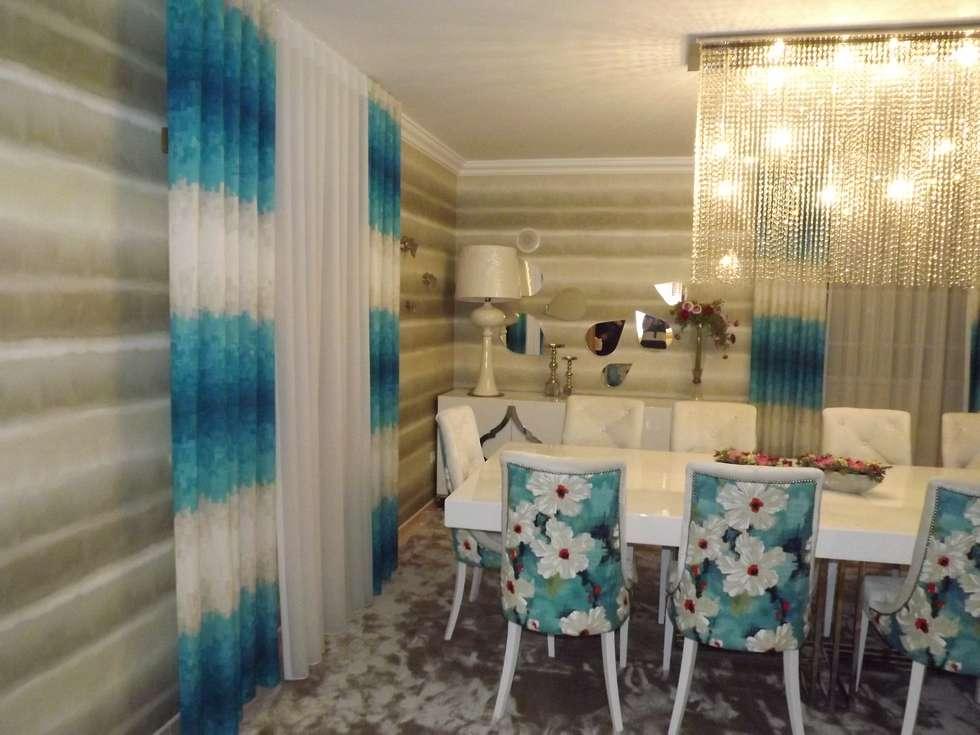 Cortinas e papel de parede: Salas de jantar modernas por Andreia Louraço - Designer de Interiores (Contacto: atelier.andreialouraco@gmail.com)