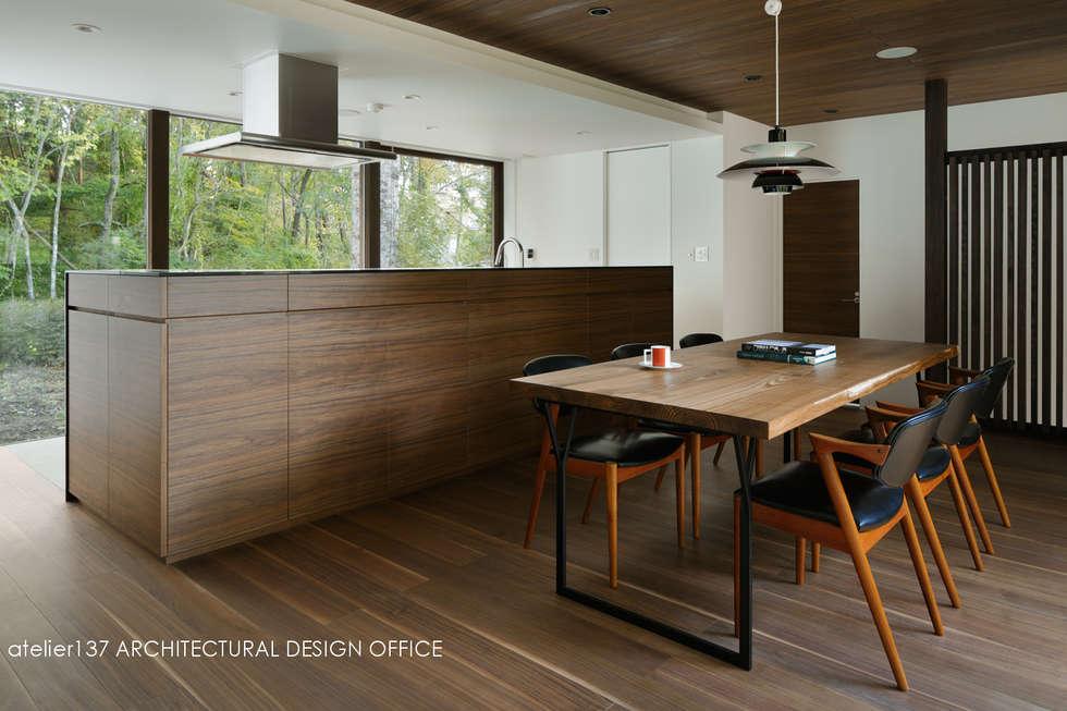 キッチン~037軽井沢 I さんの家: atelier137 ARCHITECTURAL DESIGN OFFICEが手掛けたキッチンです。