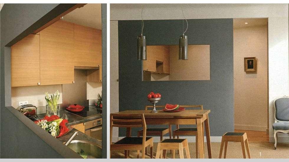 CUISINE - PARIS 18: Cuisine de style de style Moderne par ARCHITECTURAL DECO