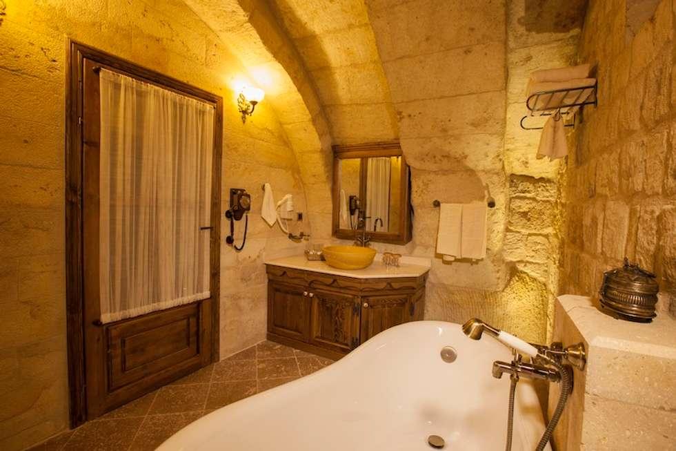 Baños de estilo rústico de Kayakapi Premium Caves - Cappadocia