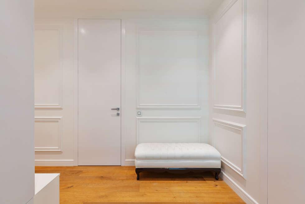 Ingresso & Corridoio in stile  di U-Style design studio