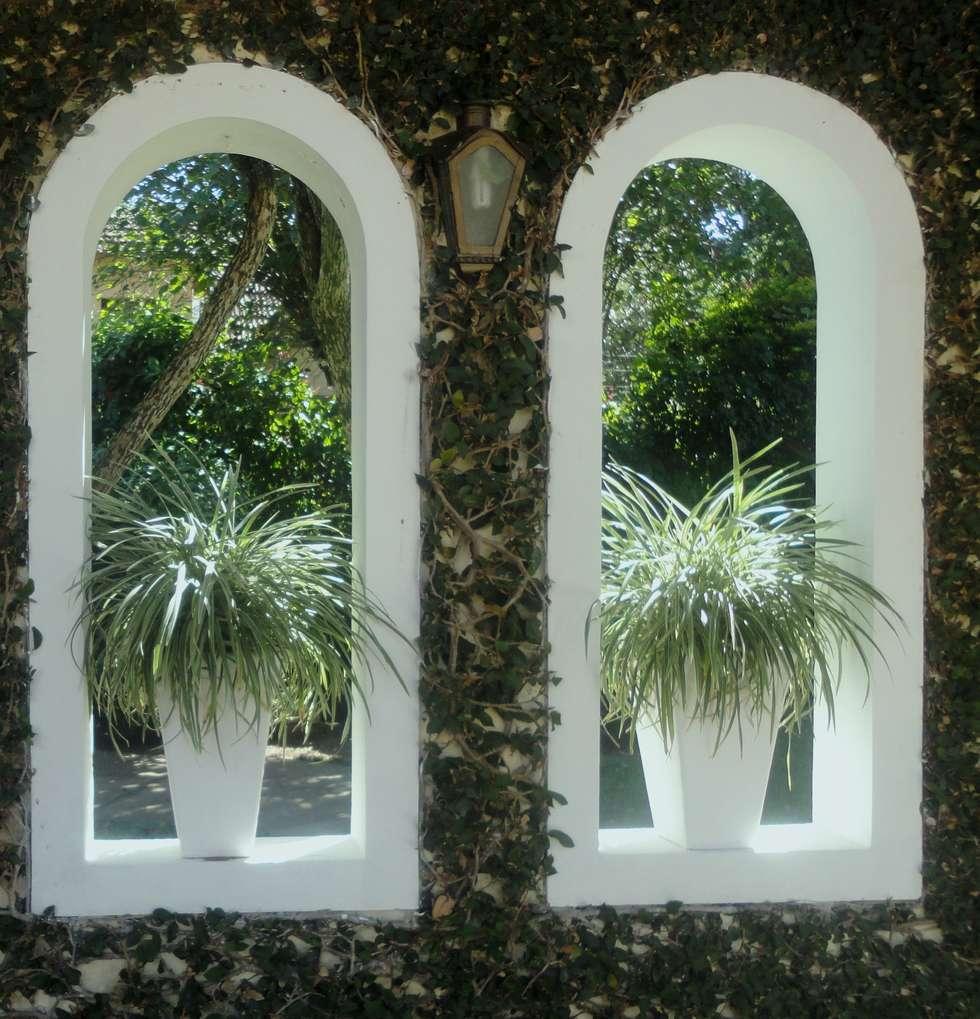 Giardino in stile in stile Mediterraneo di Marisol Réquia Arquitetura