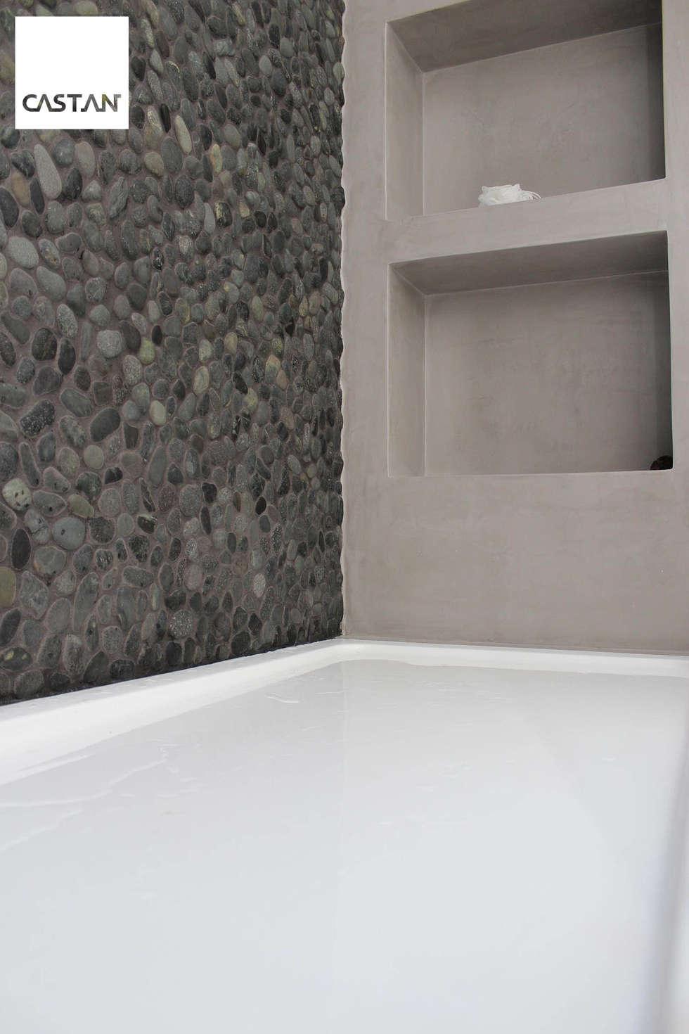 Nichos - instalação sanitária piso superior: Casas de banho modernas por Castan