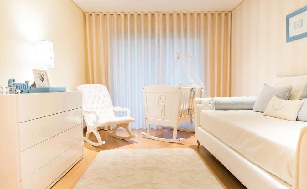 O quarto do Principe : Quartos de criança clássicos por Ângela Pinheiro Home Design