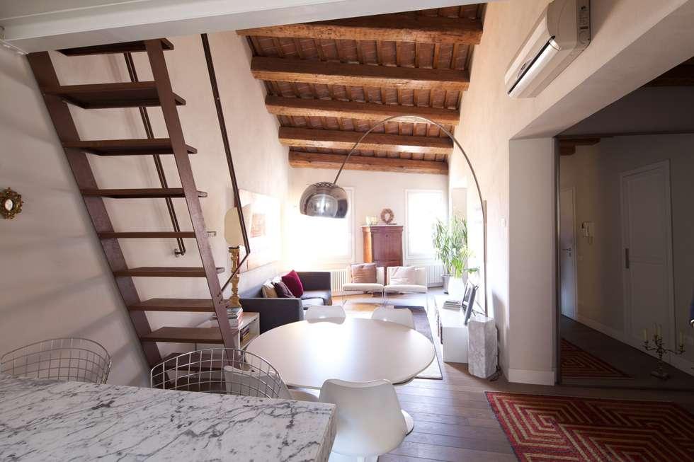 Il soggiorno: Soggiorno in stile in stile Moderno di cristina mecatti interior design