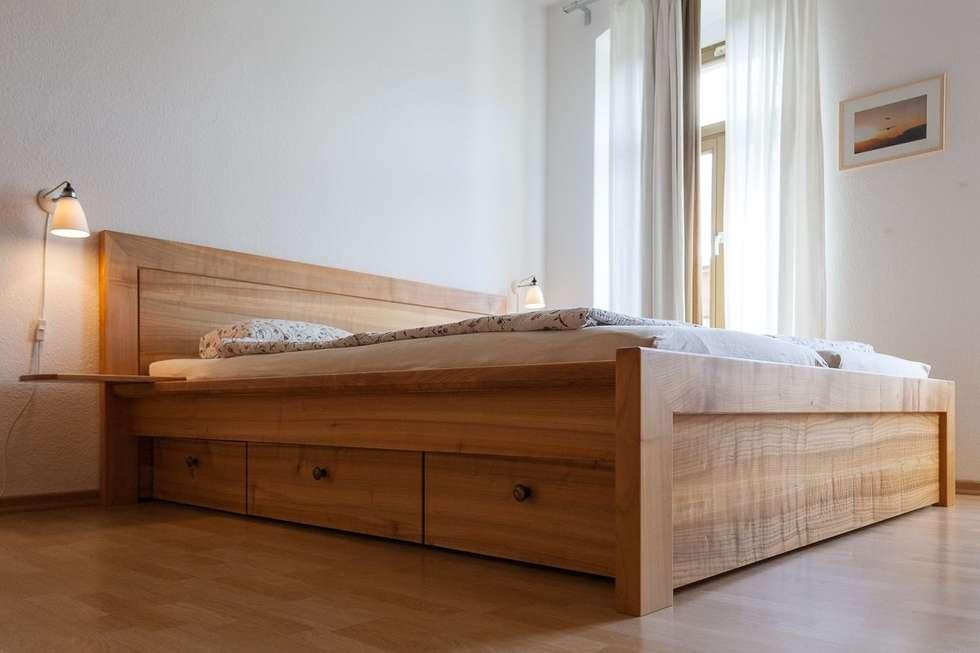 Massivholzbett aus europäischem kirschbaum: klassische schlafzimmer ...