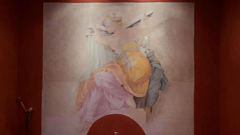 Particolare della Sibilla: Bagno in stile in stile classico di Claudia Bambagioni