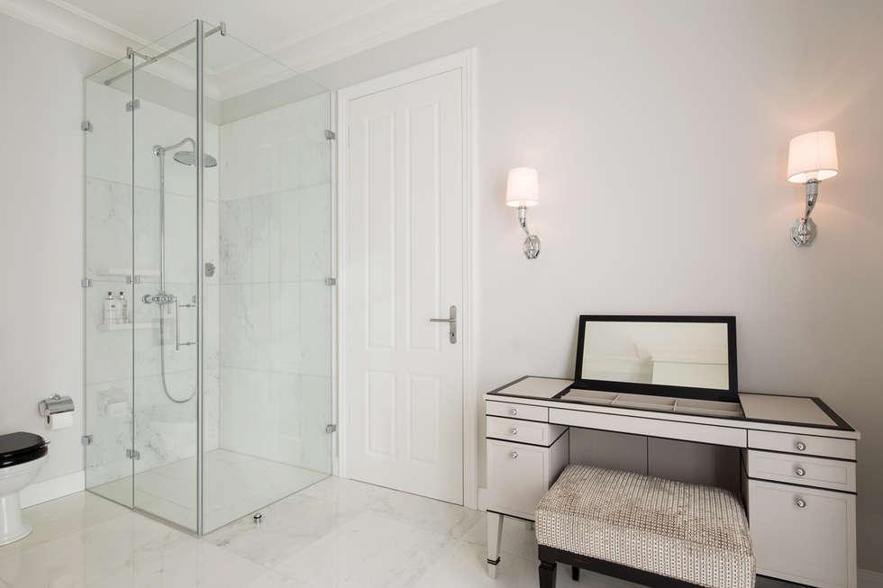 Badezimmer Klassisch: Klassische Badezimmer Von KJUBiK Innenarchitektur
