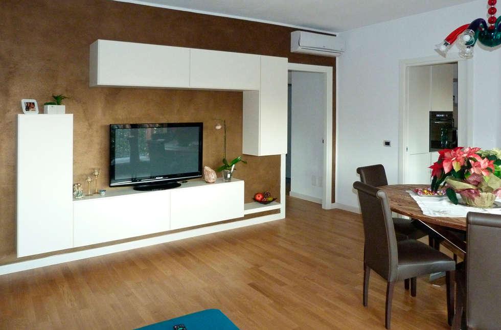 Soggiorno DOIMO Design : Soggiorno in stile in stile Moderno di STEFANIA ARREDA