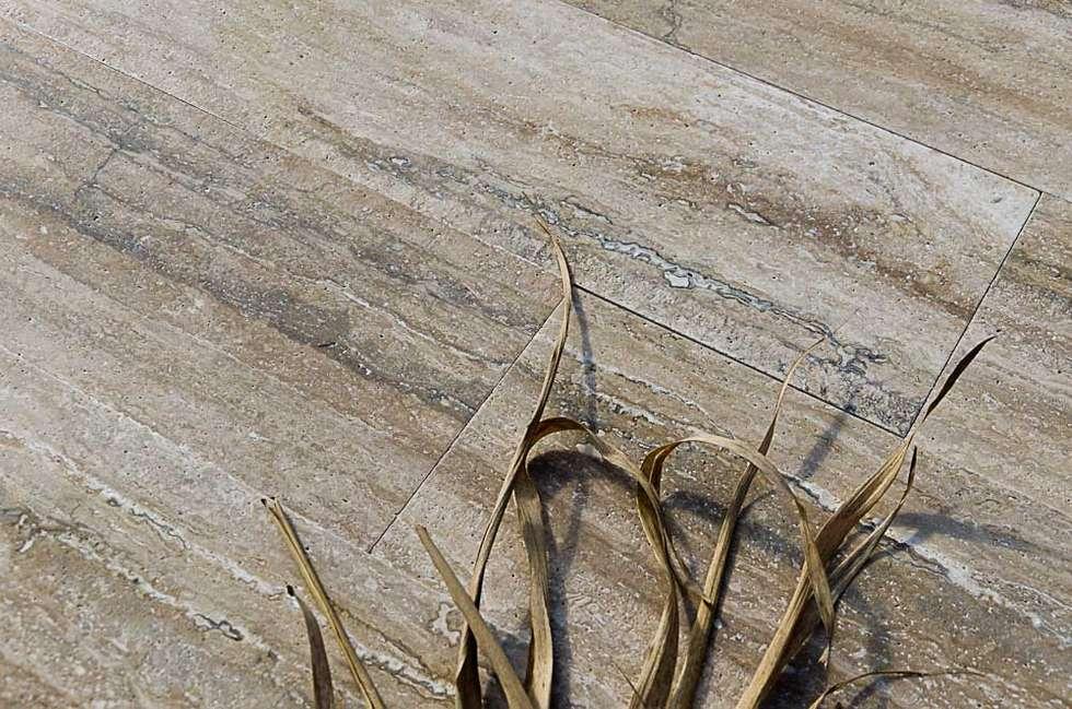 Zebra Terra Chiara Venata PDR047: Pareti in stile  di Pietre di Rapolano