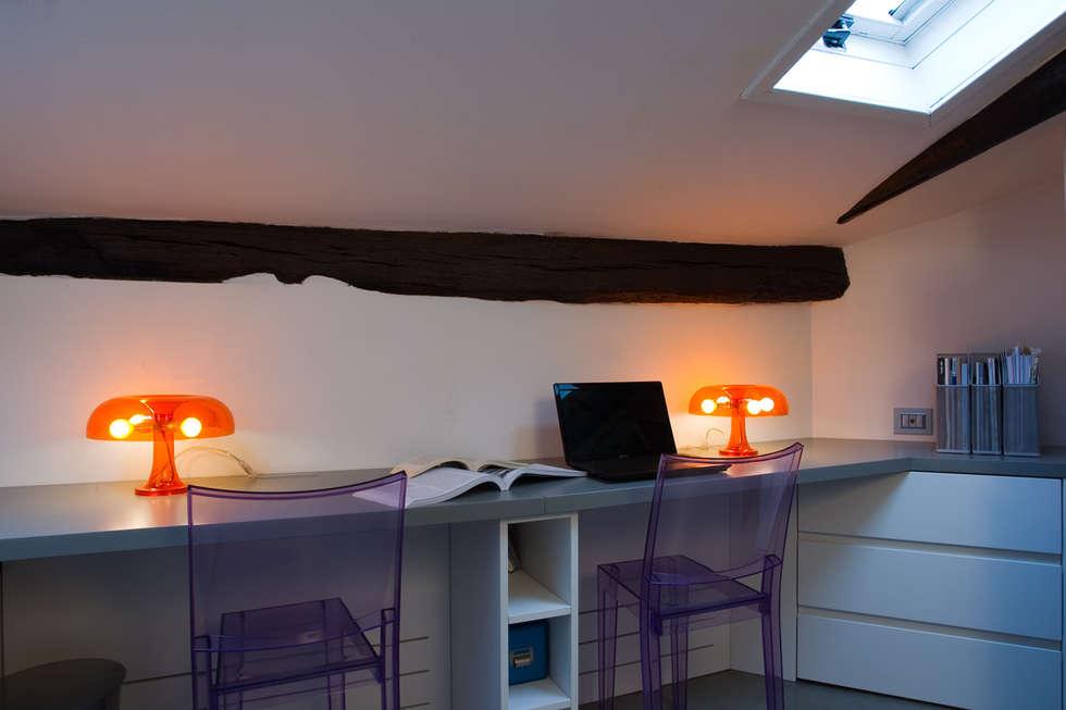 casa di ringhiera: Studio in stile in stile Minimalista di studio ferlazzo natoli