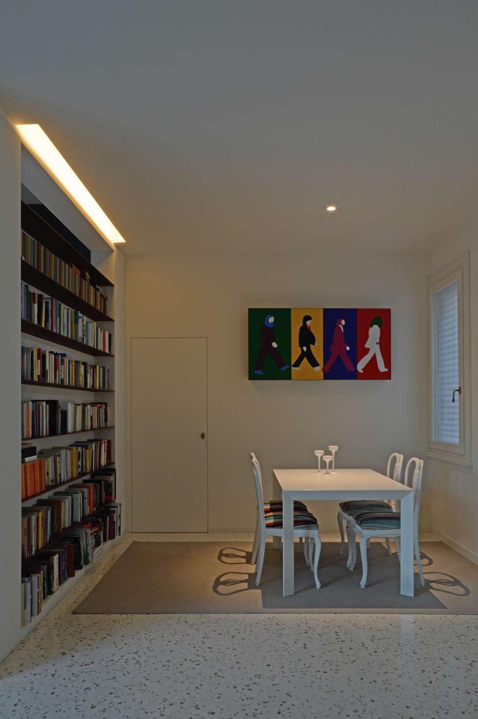 Abbey Road: Sala da pranzo in stile in stile Moderno di NEARCH architecture & design