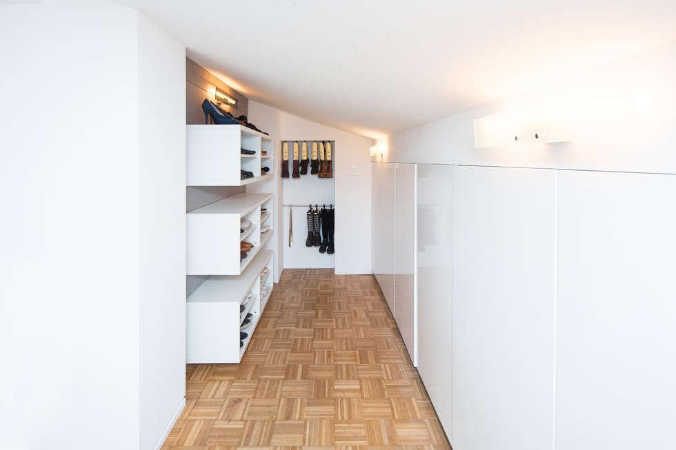 Sanierung Einer Dachgeschosswohnung: Moderne Ankleidezimmer Von Karl  Kaffenberger Architektur | Einrichtung