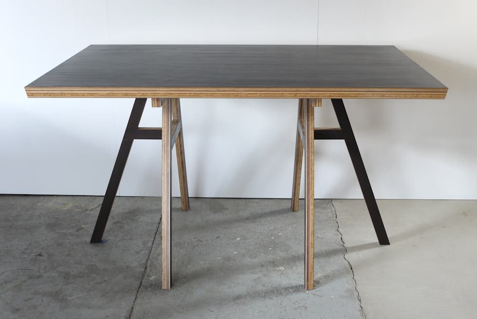 HORSE TABLE: FLANGE plywoodが手掛けた勉強部屋/オフィスです。
