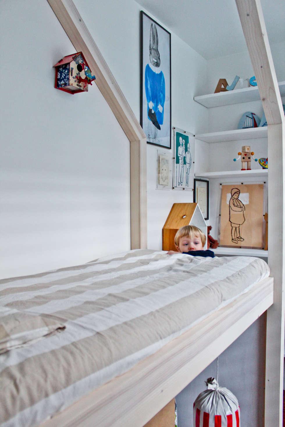 MOMENTINO, LA CAMERETTA: Stanza dei bambini in stile in stile Minimalista di MATITA