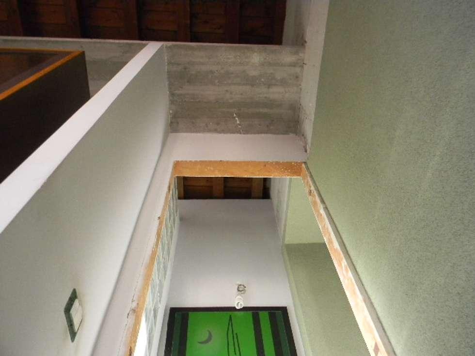 vista: Camera da letto in stile in stile Moderno di  Giovanni Lucentini piccolo studio di architettura di 7 mq.
