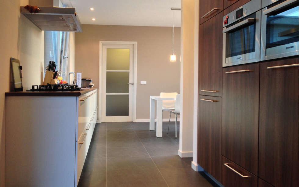 Woonhuis DPKU Eindhoven : moderne Keuken door 2architecten