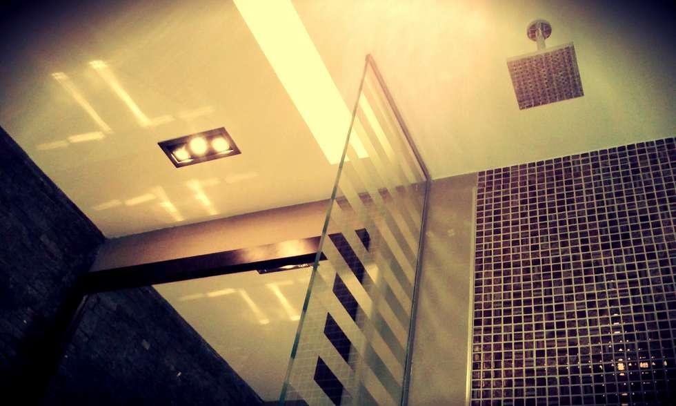 BAÑO: Baños de estilo moderno por ARQ DANIEL CARRIZO