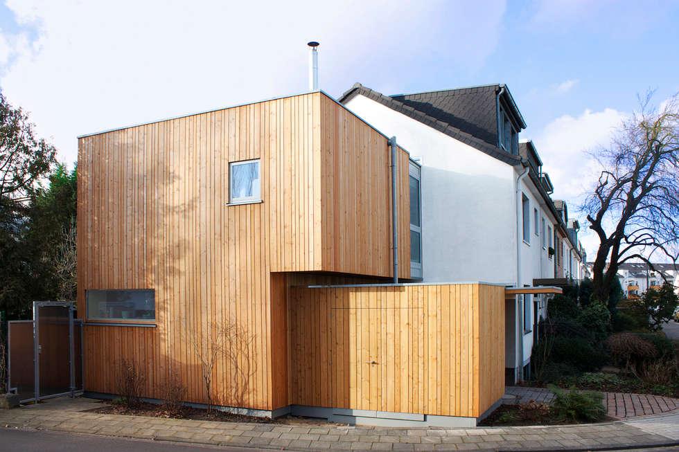 Kubus moderne garage schuppen von danke architekten for Kubus haus holz
