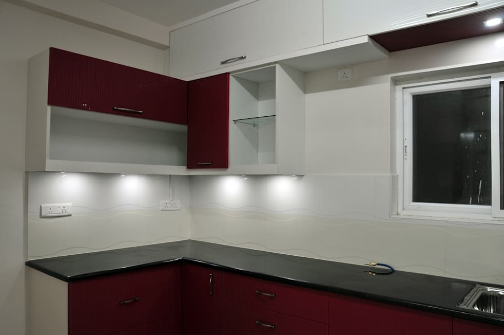 Compact Kitchen: minimalistic Kitchen by 3A Architects Inc