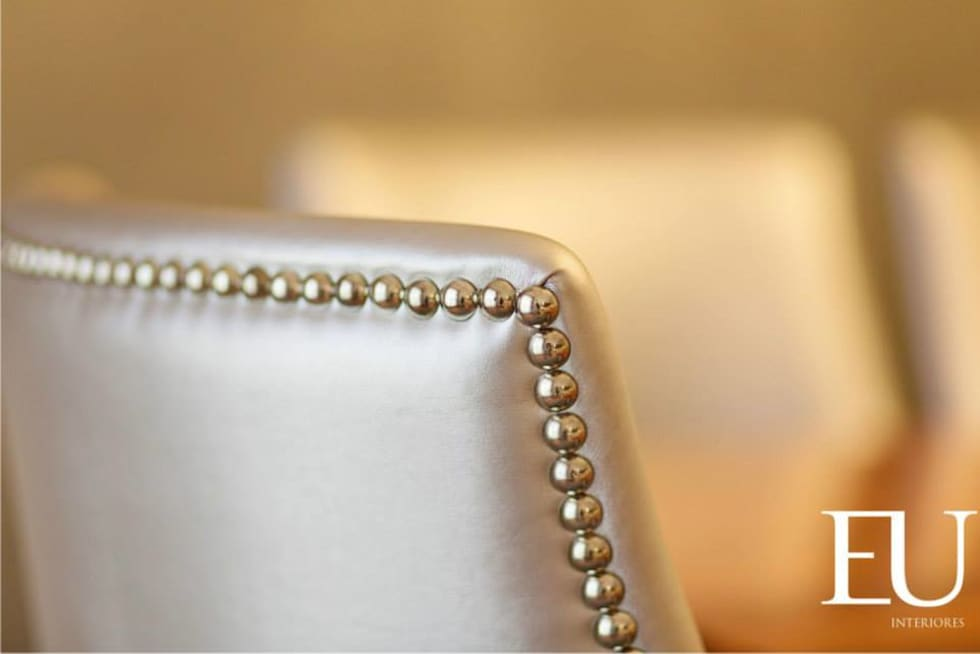 Sala - Cadeiras Detalhe: Salas de jantar modernas por EU INTERIORES