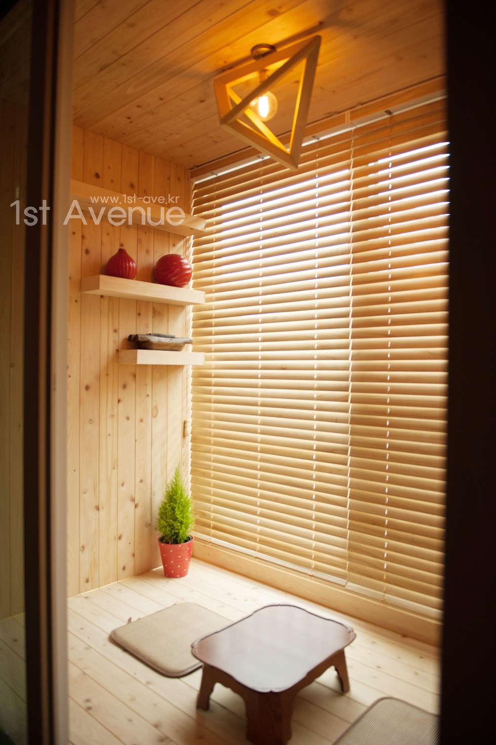 자연을 가득담은 인테리어: 퍼스트애비뉴의  침실