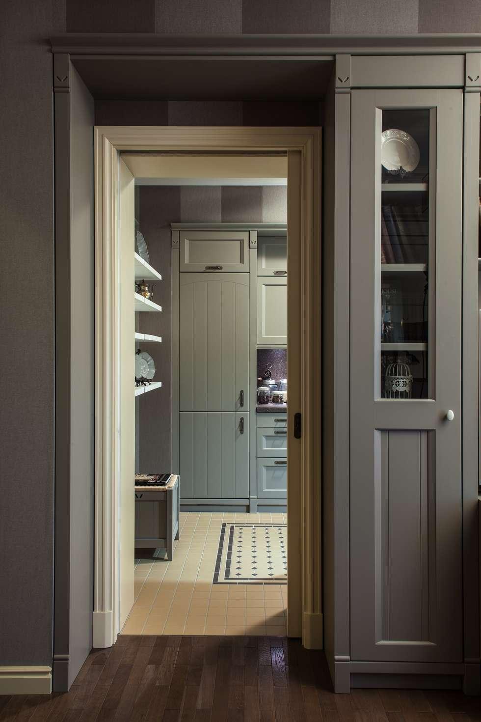 The apartment  in Moscow 02: Salon de style de style Classique par Petr Kozeykin Designs LLC, 'PS Pierreswatch'