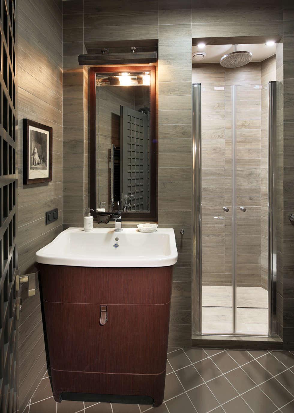 Apartment in Kurkino (Moscow) RU: Salle de bains de style  par Petr Kozeykin Designs LLC, 'PS Pierreswatch'