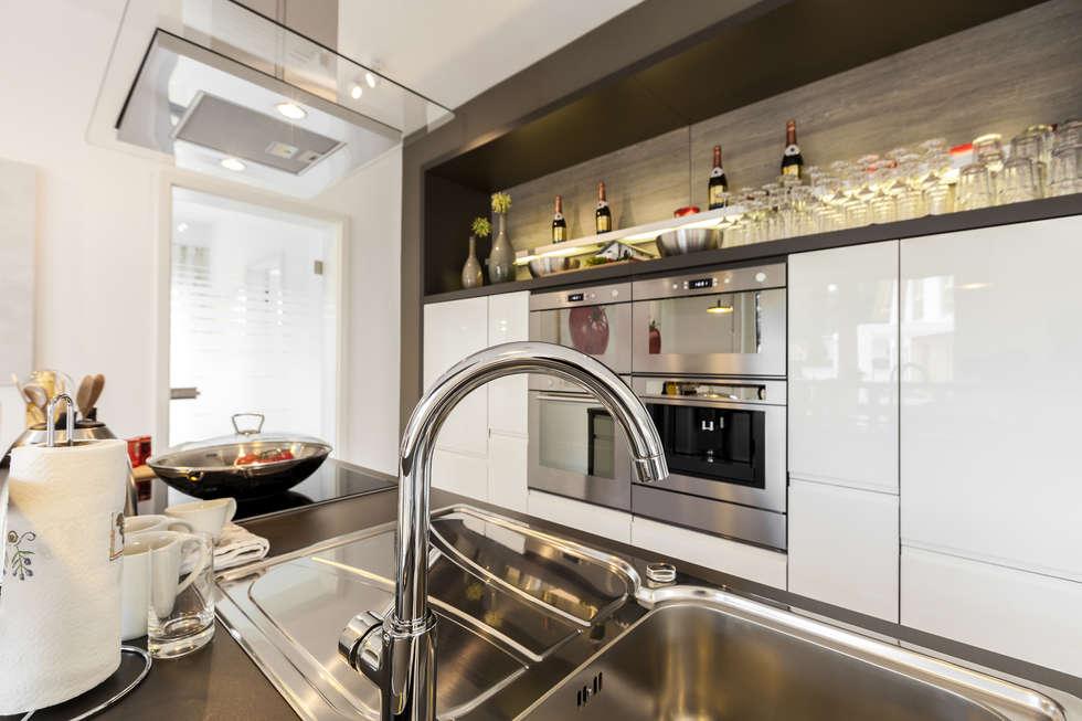 Cocina de estilo  por Menz Design