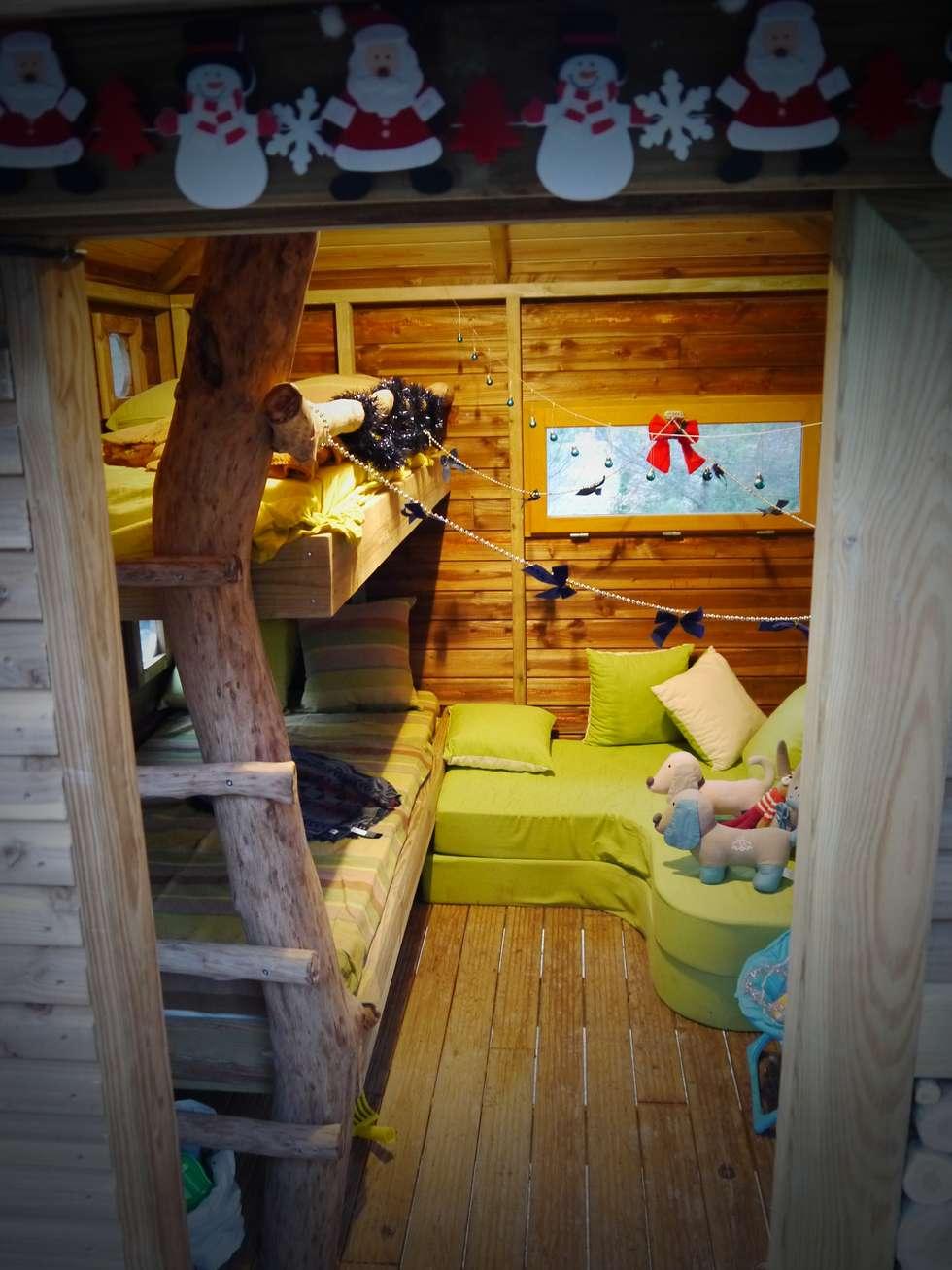 Une chambre dans les arbres: Chambre d'enfant de style de style Méditerranéen par Cabaneo