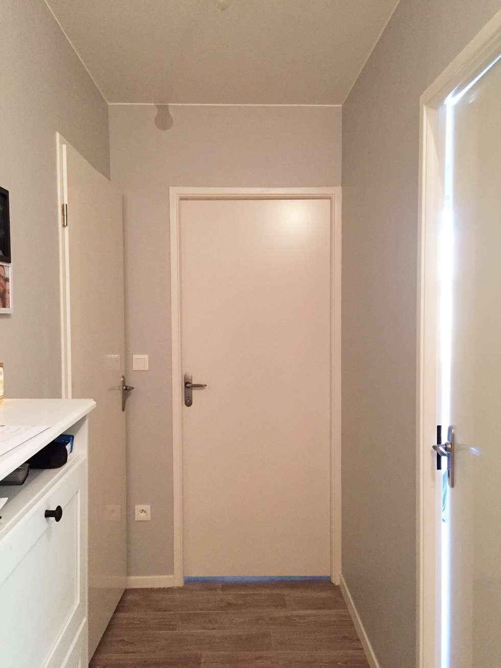 Couloir: Couloir et hall d'entrée de style  par Mint Design