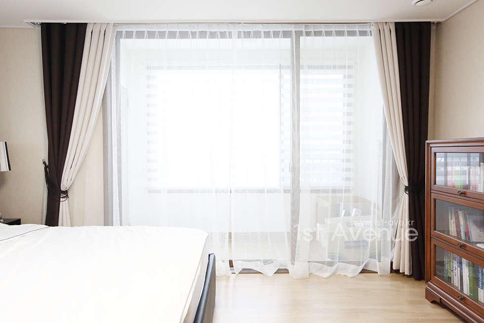 집안에 아이들의 놀이터가 마련되어있는 인테리어  : 퍼스트애비뉴의  침실