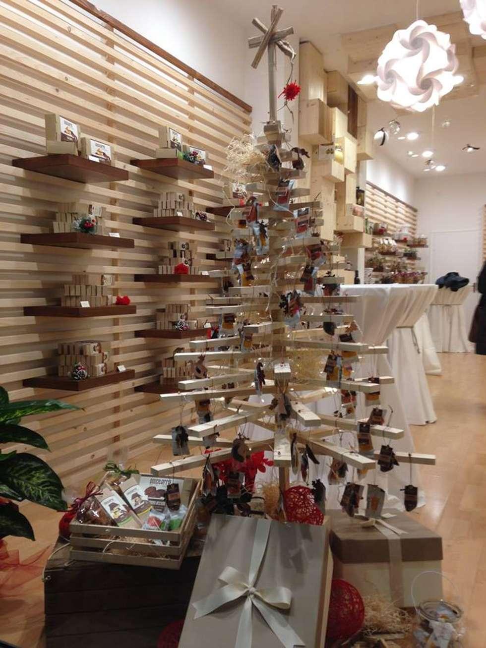 Store DolciTerre _ L'albero di Natale: Negozi & Locali commerciali in stile  di AG Interior Design
