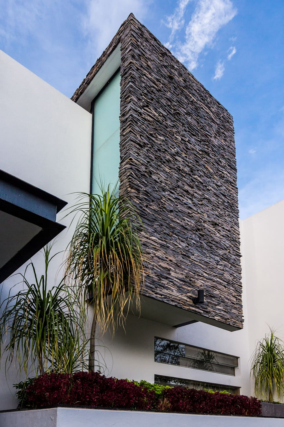 Detalle fachada casas de estilo moderno por aaestudio for Fachada de casas modernas estilo oriental