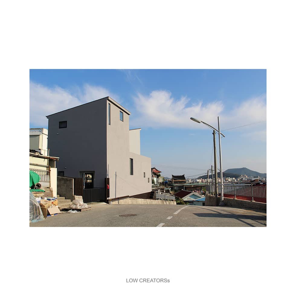 exterior: LOW CREATORs의  주택