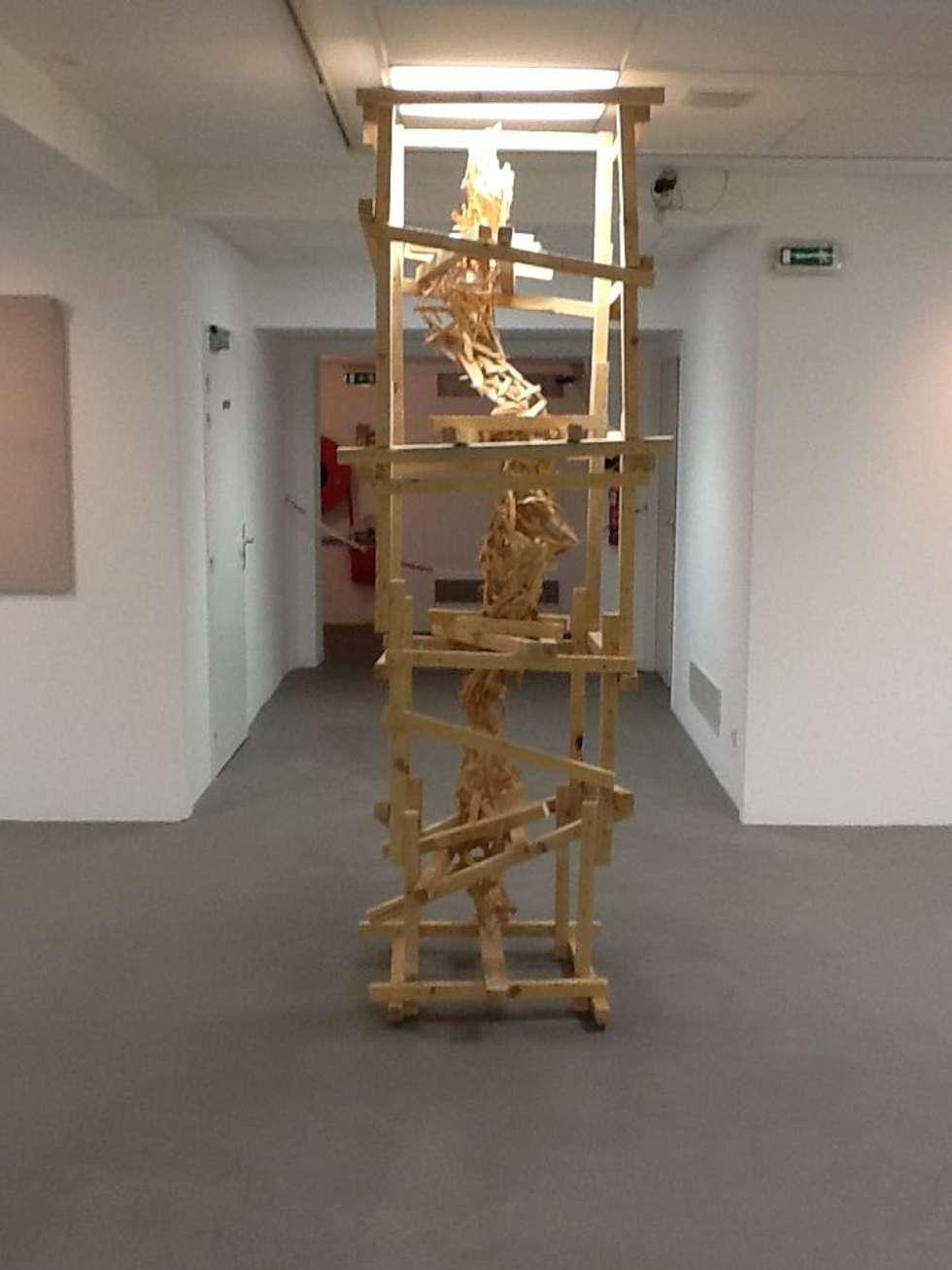 Copeaux: Centre d'expositions de style  par USER WAS DELETED!