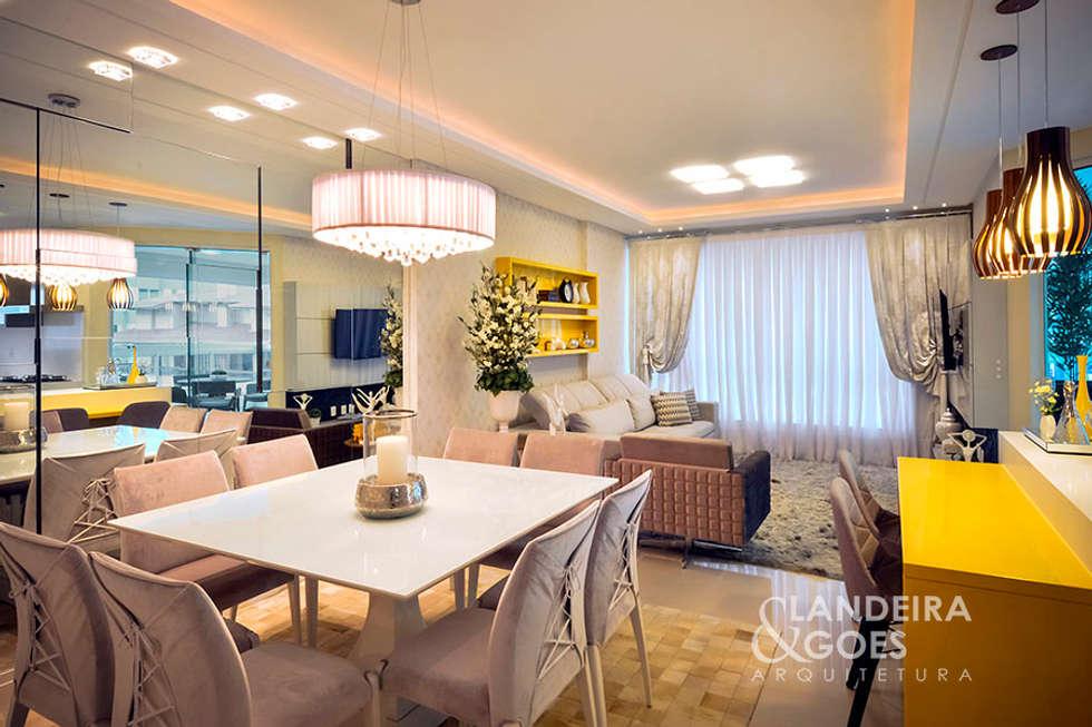 Sala da pranzo in stile in stile Moderno di Landeira & Goes Arquitetura