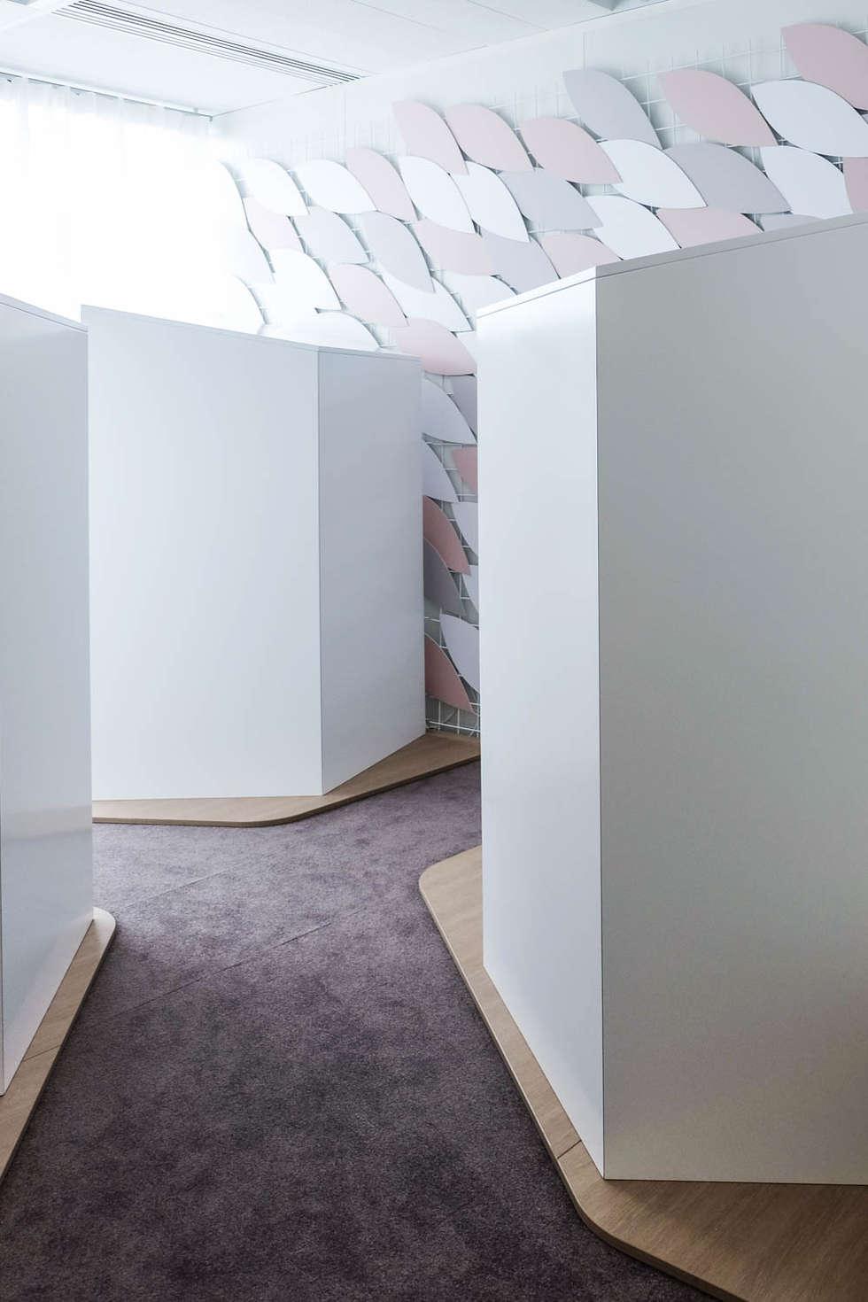 ATELIER TROPIQUE / Espace détente d'entreprise : Bureaux de style  par Atelier Tropique