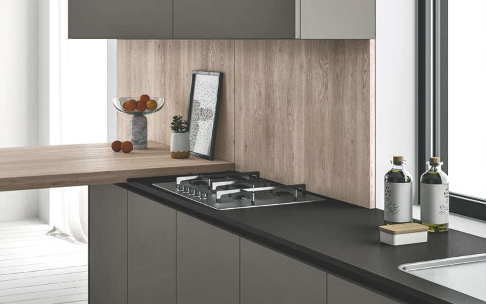 Ambiente Cucina (A) – dettaglio piano di lavoro: Cucina in stile in stile Scandinavo di Nova Cucina