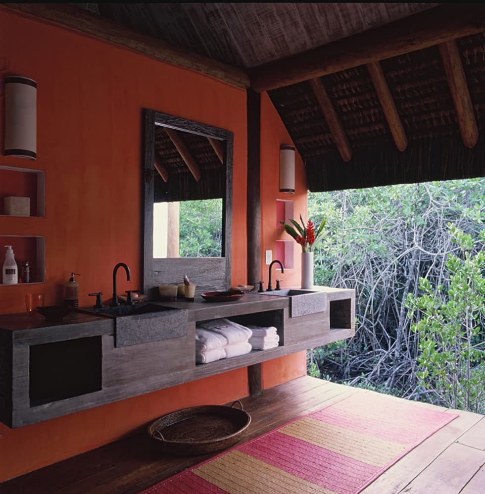 Baños de estilo rústico de Toninho Noronha Arquitetura