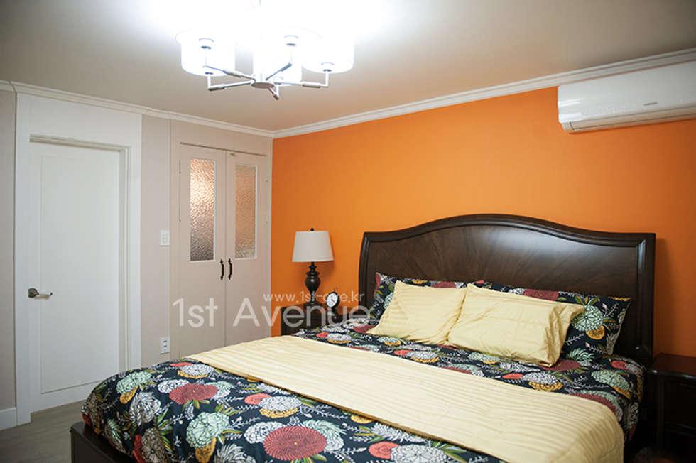 가구를 위한 모던인테리어 : 퍼스트애비뉴의  침실