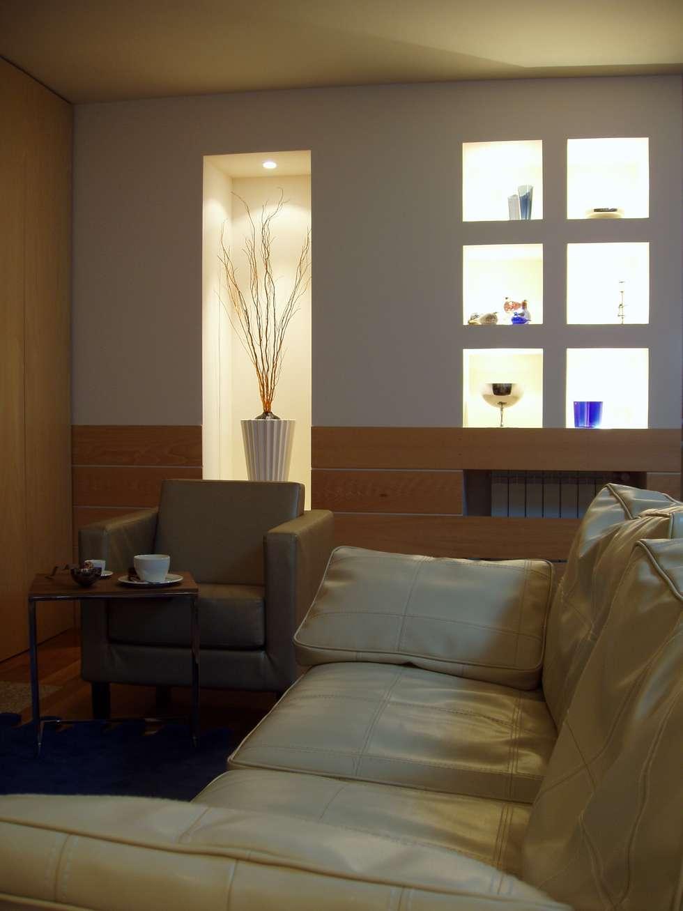 Sala de Estar: Salas de estar modernas por Inexistencia Lda