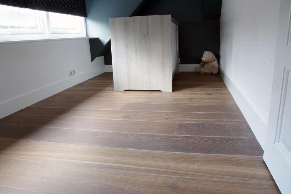 Moderne Houten Vloeren : Villa houten vloer moderne kinderkamer door zilva vloeren homify