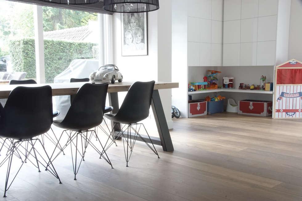 Moderne Houten Vloeren : Visgraat vloer uipkes houten vloeren