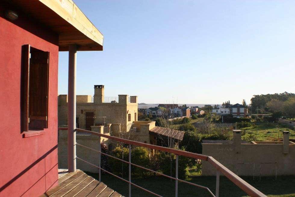 Casa Pampillo: Terrazas de estilo  por AyC Arquitectura