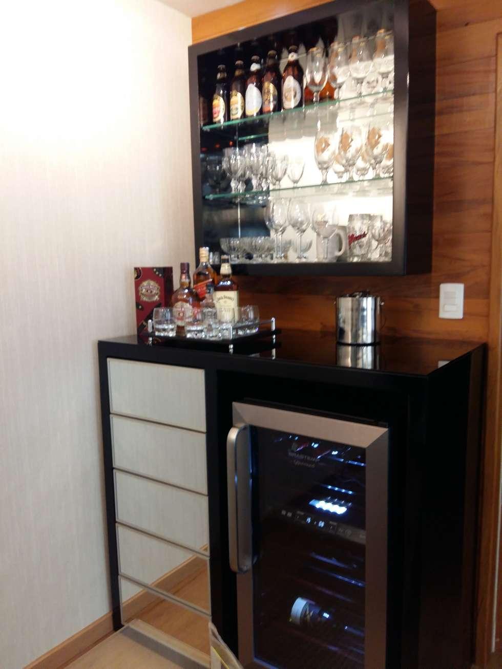 #474632 Fotos de decoração design de interiores e reformashomify 980x1307 píxeis em Bar Para Sala De Estar Moderno Com Rodas
