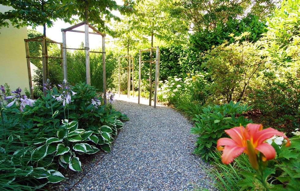 Jardines de estilo rural por Lustenberger Schelling Landschaftsarchitektur