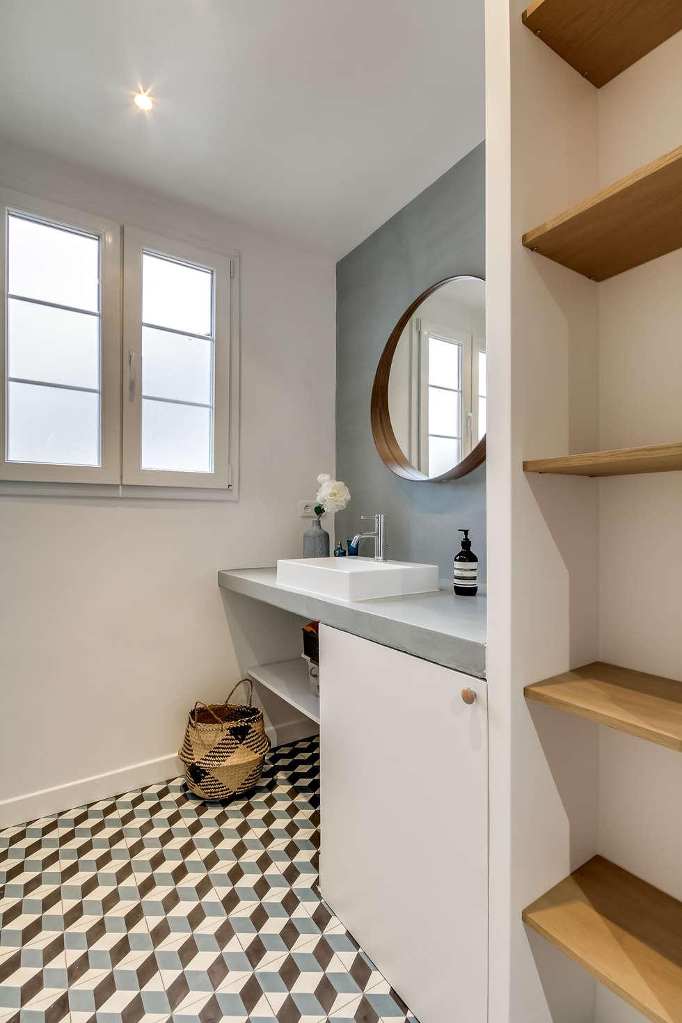 Banheiros modernos por Transition Interior Design